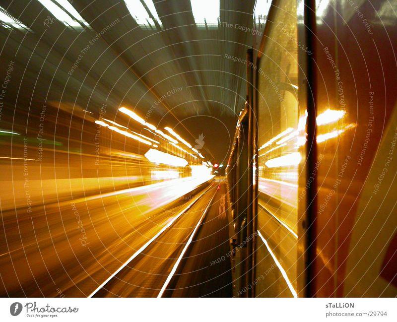 train de nuit orange Verkehr Eisenbahn Geschwindigkeit Gleise Paris Oberlicht