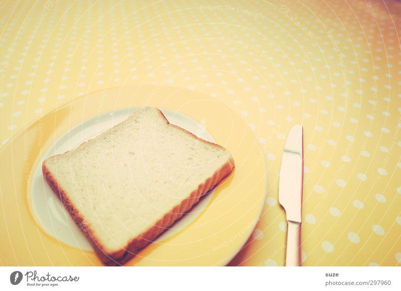 Naggisch lag er da und wollte beschmiert werden gelb Lebensmittel Tisch Ernährung retro trocken Appetit & Hunger lecker Frühstück Brot Bioprodukte trashig