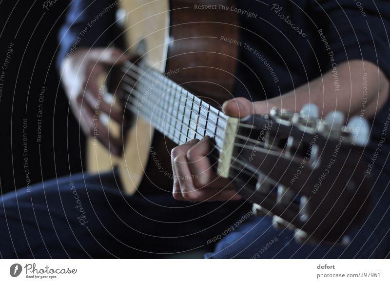 Gitarrenspiel Mensch Hand Freude Spielen Stimmung Freizeit & Hobby Musik Kreativität Finger Veranstaltung Konzert Künstler Nachtleben Musiker Gefühle