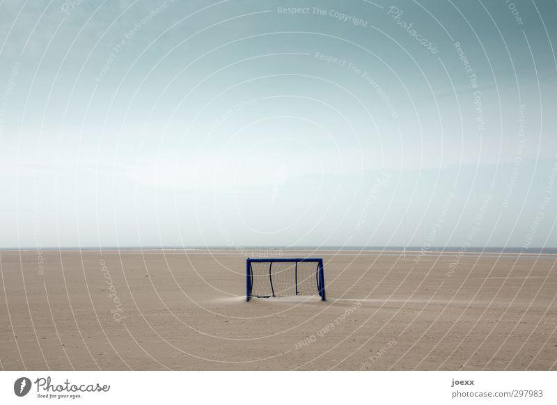 Tor Himmel Natur blau Wolken Sport Küste grau klein Horizont braun Wetter Insel Nordsee Fußballplatz Ballsport Amrum