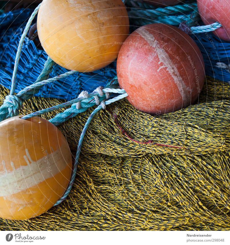 Farben und Formen Arbeit & Erwerbstätigkeit Beruf Schifffahrt Fischerboot Kunststoff Kugel Knoten Netz fangen Jagd nachhaltig mehrfarbig Rechtschaffenheit