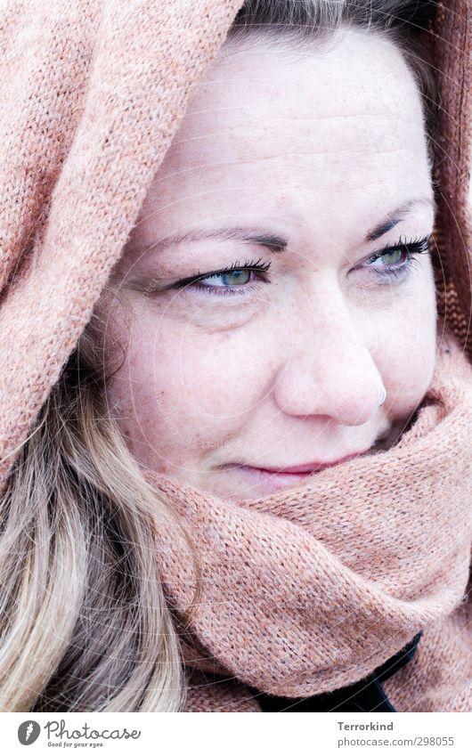s.chönheit Mensch feminin Junge Frau Jugendliche Kopf Haare & Frisuren Auge Nase 1 18-30 Jahre Erwachsene Kopftuch blond langhaarig authentisch schön braun