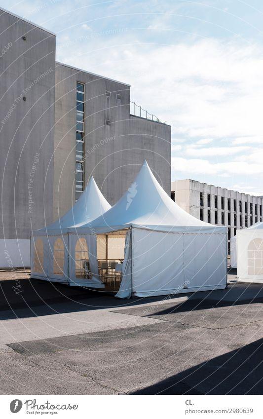partyzelt Lifestyle Reichtum Stil Sommer Dekoration & Verzierung Stuhl Tisch Entertainment Party Veranstaltung Feste & Feiern Jahrmarkt Himmel Wolken