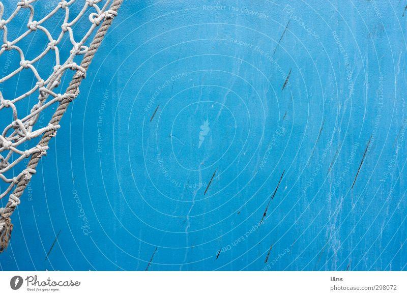 gefangen in blau blau weiß Seil Hoffnung Glaube Netz Schifffahrt diagonal Bordwand