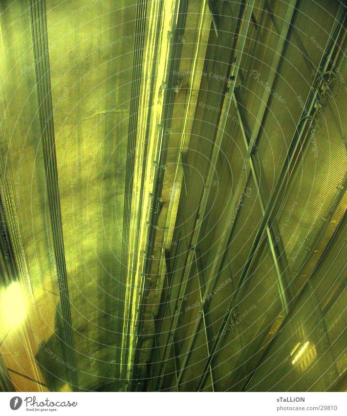 aufzugsschacht grün Beleuchtung Metall Technik & Technologie Gleise Paris U-Bahn Fahrstuhl Gitter Schacht Elektrisches Gerät