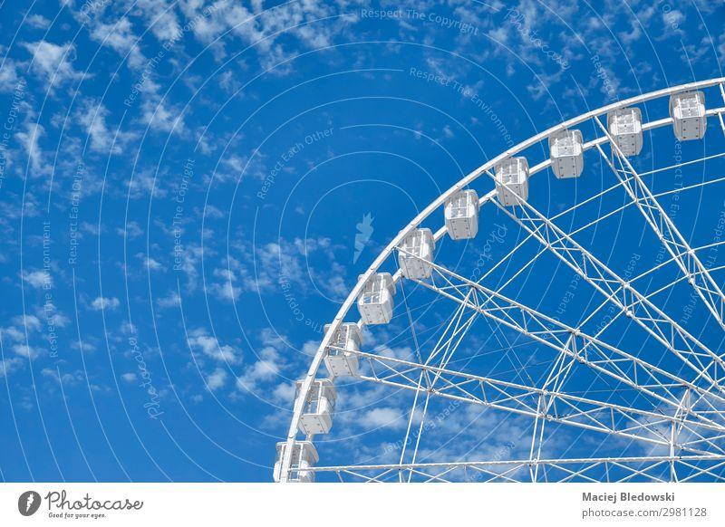 Himmel Sommer blau weiß Erholung Freude Freiheit Zufriedenheit Freizeit & Hobby Lebensfreude genießen Fotografie hoch Kindheitserinnerung Höhenangst Nostalgie