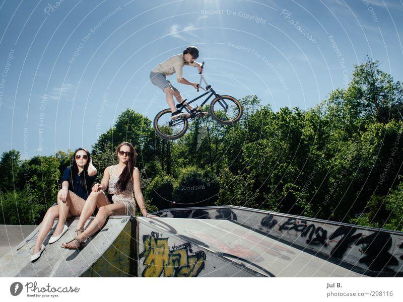 Extrem model Mensch Freude Sport feminin Mode Stimmung maskulin Lifestyle Beton Fahrradfahren