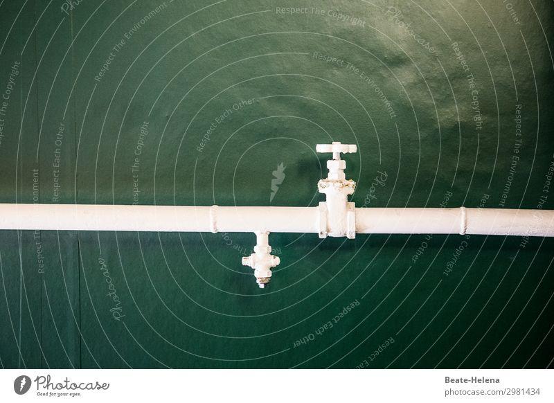 Immer an der Wand lang | Grün-weiß Handwerker Dienstleistungsgewerbe Technik & Technologie Architektur Mauer Wasserhahn Metall Häusliches Leben ästhetisch