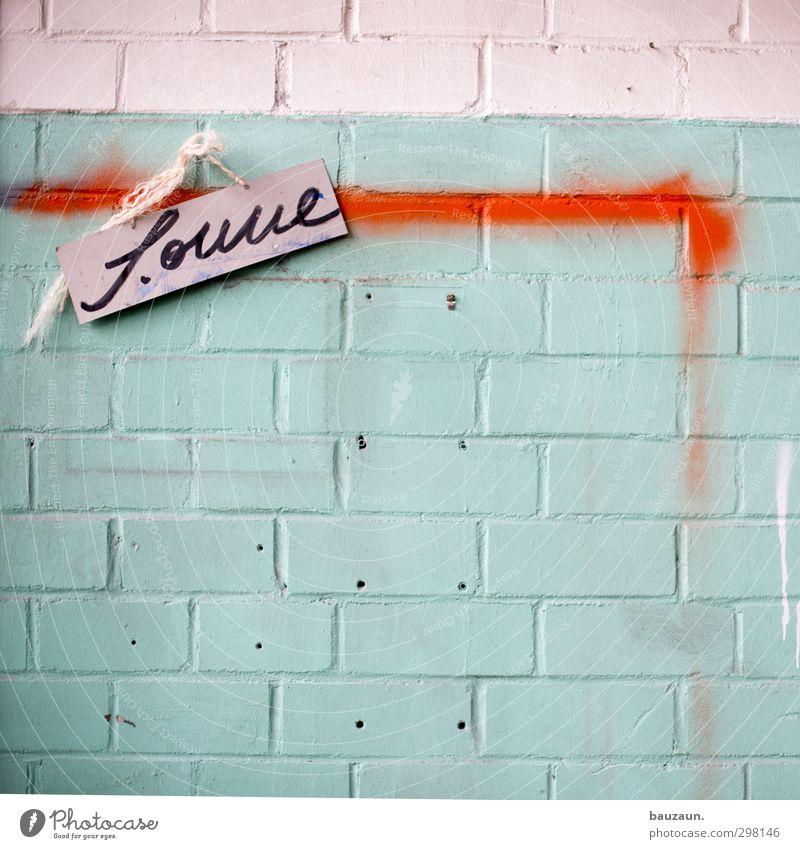ut köln | ehrenfeld | mag jeder. weiß Sonne Freude Erholung Graffiti Wand lachen Mauer Stein Linie orange Fassade Klima Zufriedenheit Schilder & Markierungen