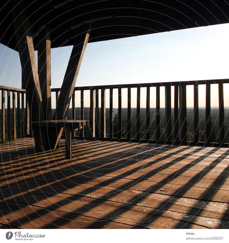 Abendlicht Umwelt Natur Landschaft Himmel Horizont Turm Balkon Geländer Sitzgelegenheit Holz hoch Gefühle Lebensfreude Romantik Vorsicht Gelassenheit geduldig