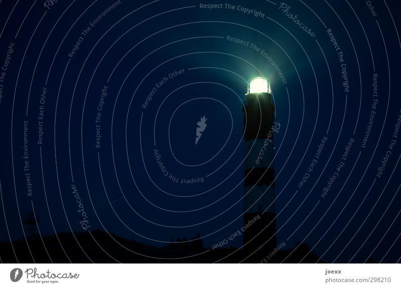 Nachtlicht blau alt weiß schwarz gelb hell leuchten hoch Wachsamkeit Leuchtturm Nachthimmel achtsam Heimweh Amrum