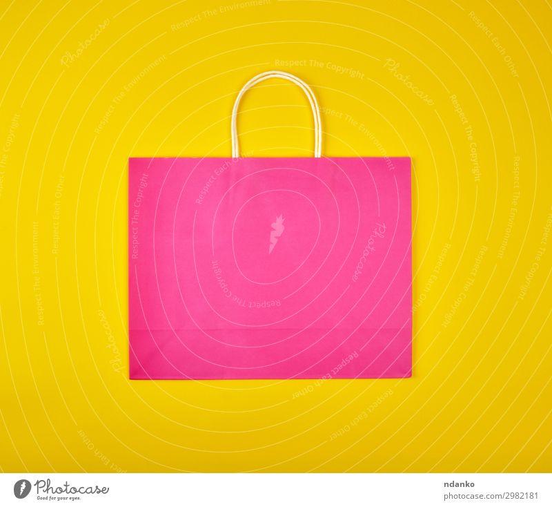 rechteckige rosa Papiertragetasche Lifestyle kaufen Design Business Verpackung Paket Sack modern neu gelb Farbe Hintergrund Tasche Gewerbe Entwurf Konsum Kunde