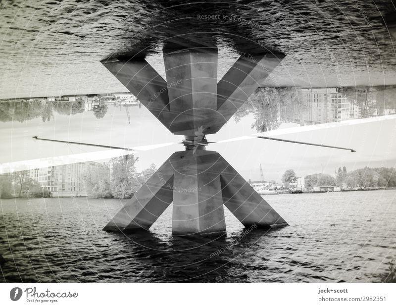 Pila Fluss Havel Spandau Brückenpfeiler Beton außergewöhnlich eckig fantastisch groß unten Stadt Stimmung Kraft beweglich Design komplex modern Perspektive