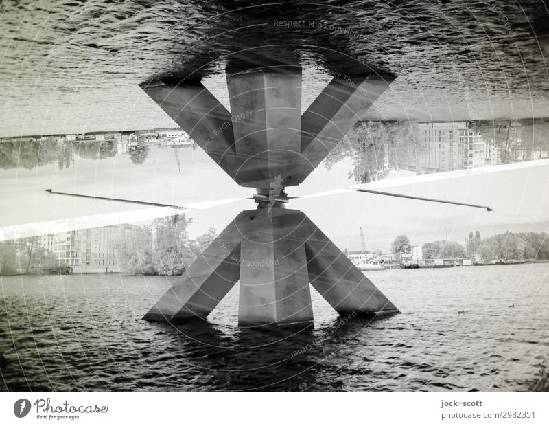 Pila Wolkenloser Himmel Fluss Havel Spandau Brückenpfeiler Beton außergewöhnlich eckig fantastisch frei groß unten Stadt Stimmung Kraft beweglich Ordnungsliebe