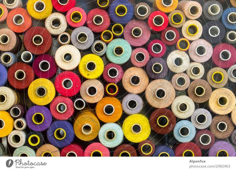 wertvoll | diversität Nähgarn Garnspulen blau mehrfarbig gelb grün rot schwarz weiß Glück Fröhlichkeit Zufriedenheit Lebensfreude Coolness Optimismus Erfolg