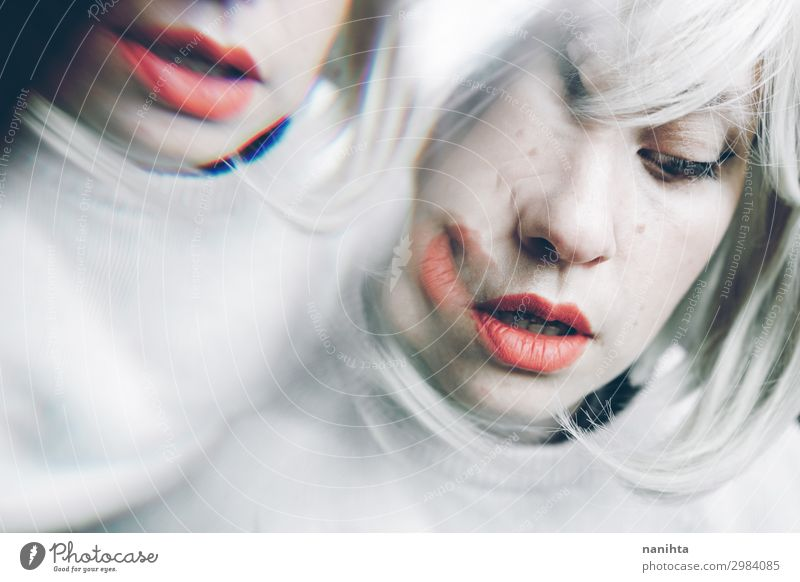 Künstlerisches und konzeptionelles Bild über Persönlichkeitsstörungen Behandlung Medikament Spiegel Mensch feminin Frau Erwachsene 1 30-45 Jahre Kunst