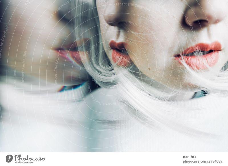 Künstlerisches und konzeptionelles Bild über Persönlichkeitsstörungen Gesicht Spiegel Mensch feminin Frau Erwachsene 1 18-30 Jahre Jugendliche Kunst blond