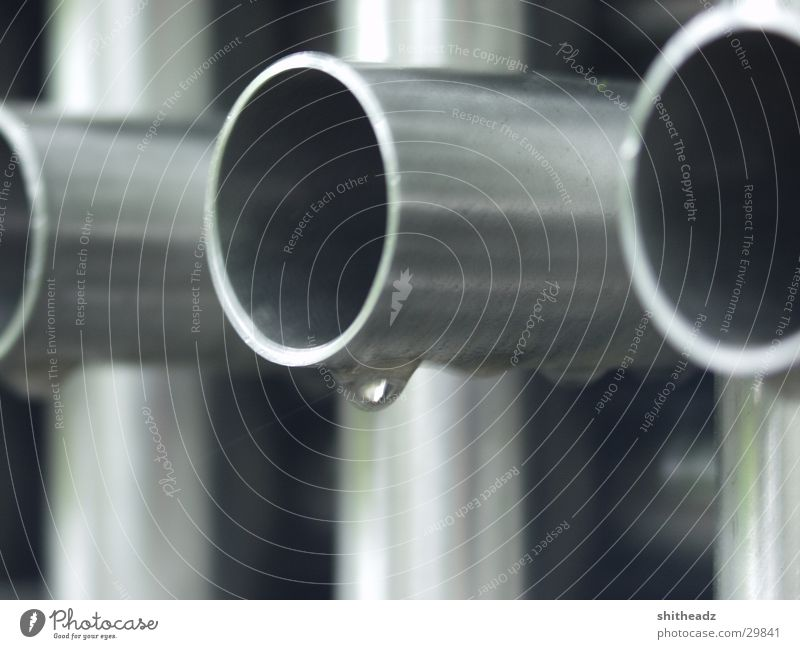 Rohrgestänge Metall Wassertropfen Industrie Kunstwerk