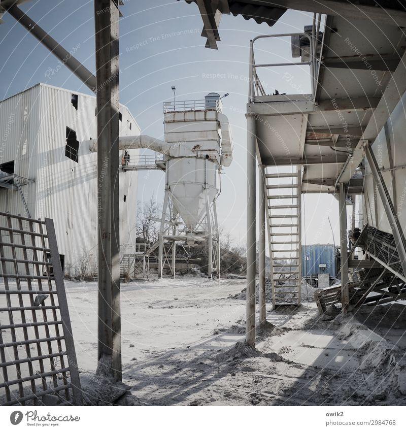 Karriereleiter Wirtschaft Industrie Güterverkehr & Logistik Baustelle Mittelstand Unternehmen Feierabend Wolkenloser Himmel Schönes Wetter Metall eckig einfach