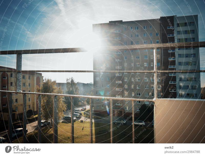 Traum in Beton Himmel Ferien & Urlaub & Reisen Sonne Haus Wolken Fenster Herbst Wand Tourismus Mauer oben Häusliches Leben hell Treppe Metall leuchten