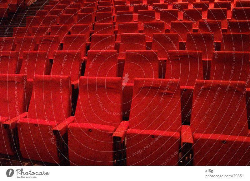 """platz nehmen"" Architektur Platz Hörsaal Konzert Theater Sitzgelegenheit Sitzreihe Bochum Audimax"