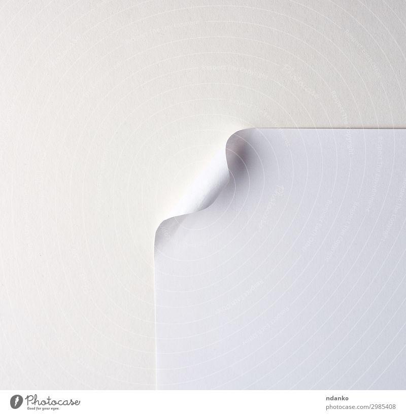 leeres weißes Blatt Papier mit einer gekrümmten Ecke Design Business neu Sauberkeit Hintergrund Wegbiegung blanko Entwurf Eckstoß Kurve Schriftstück Saum