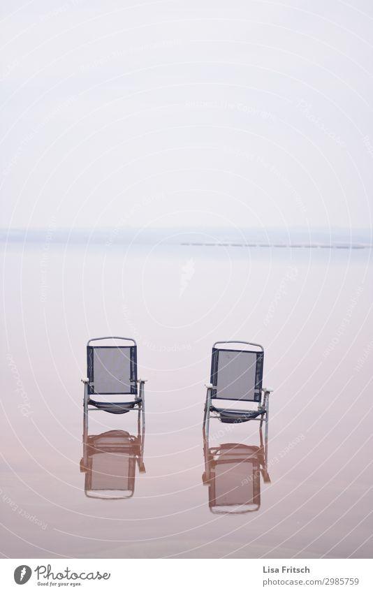 2 Campingstühle, Wasser, rot, diesig Gesundheitswesen Wellness Erholung ruhig Ferien & Urlaub & Reisen Tourismus Campingstuhl Umwelt Natur See Unendlichkeit