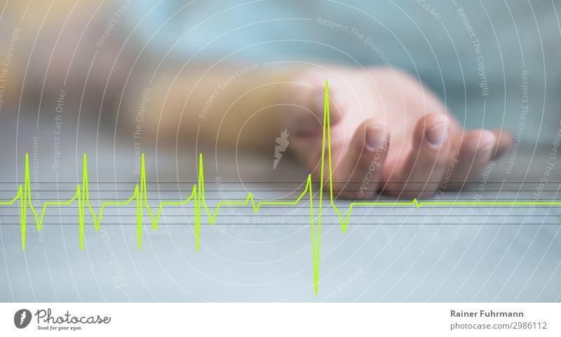 """Der letzte Moment - ein Mann und sein EKG Mensch Erwachsene Hand 1 """"Bett Bettdecke"""" liegen schlafen alt Krankheit Trauer Tod Schmerz Gesundheit Gesundheitswesen"""