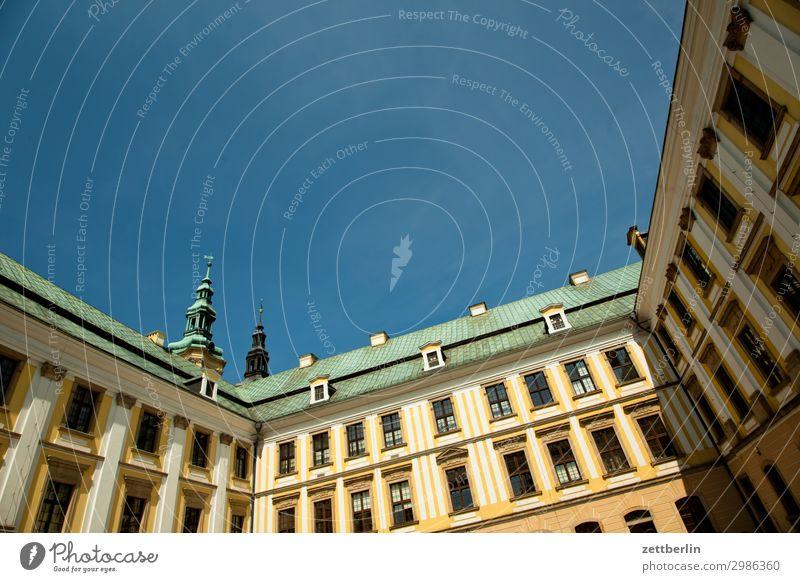 Ritterakademie alt Altstadt antik Haus Kirche legnica liegnitz malerisch Polen Schlesien Stadt polnisch Burg oder Schloss Palast Palais Kesselstadt Hof Innenhof