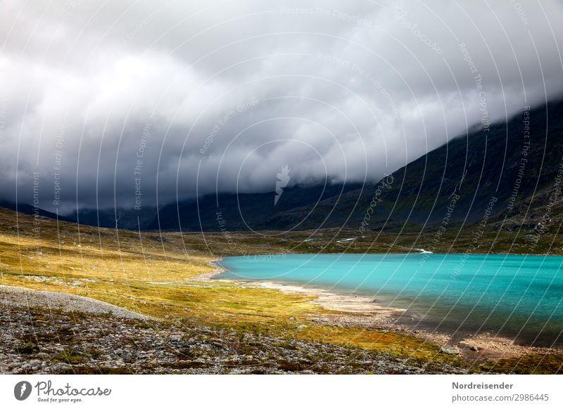 Bergsee Ferien & Urlaub & Reisen Abenteuer Ferne Freiheit Natur Landschaft Urelemente Wasser Himmel Wolken Gewitterwolken schlechtes Wetter Regen Gras