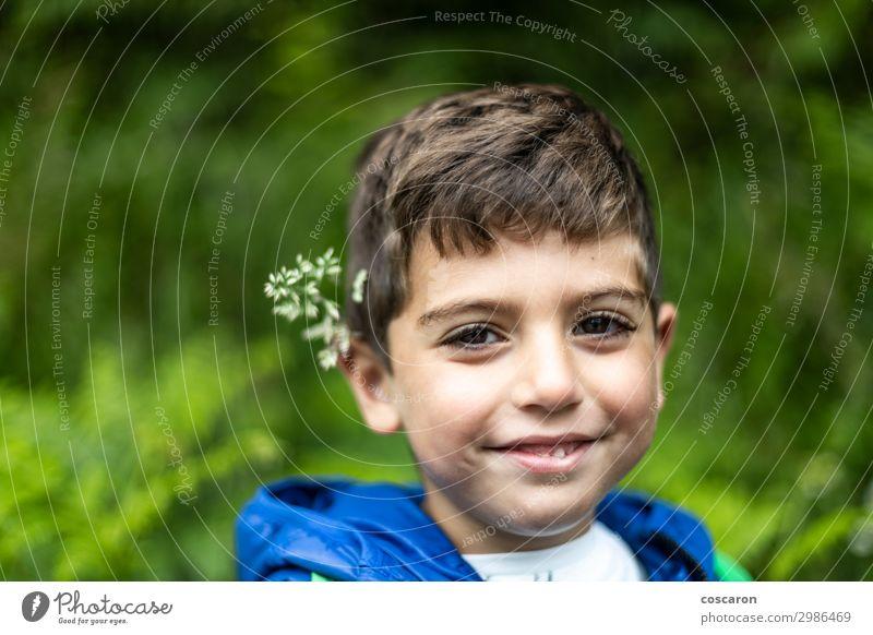Kind Mensch Ferien & Urlaub & Reisen Natur Sommer Pflanze blau Farbe schön grün weiß Landschaft Blume Freude Wald Gesicht
