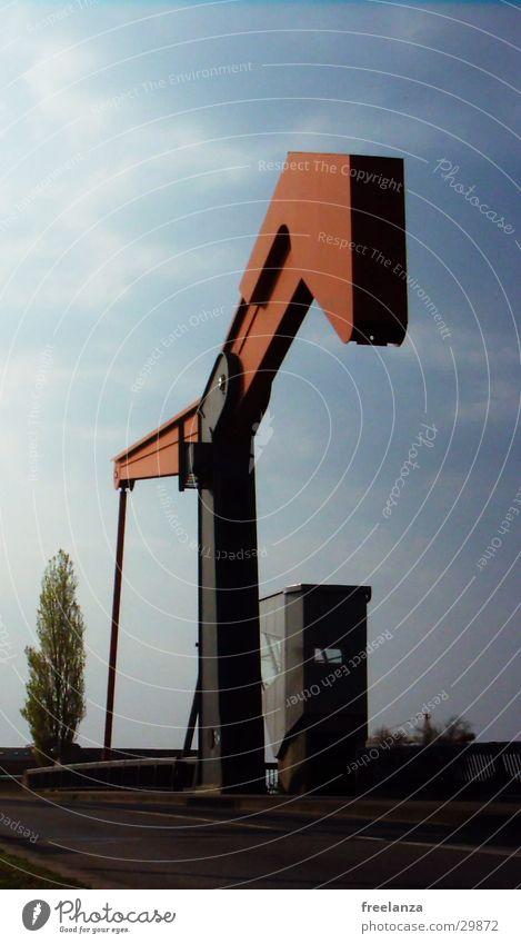 Brücke rot Wasserfahrzeug Brücke Industriefotografie Hafen Zugbrücke