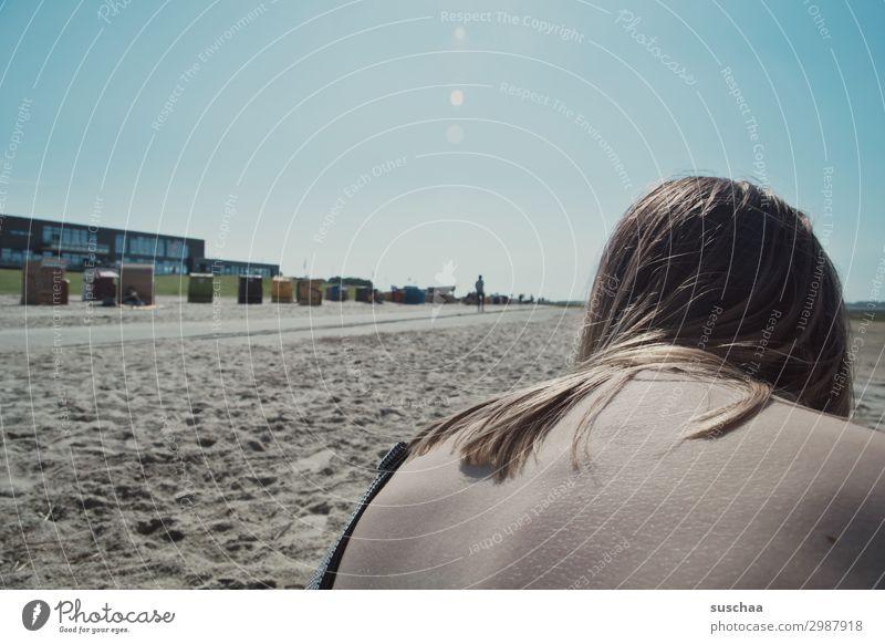 meer ohne meer Meer Strand Ferien & Urlaub & Reisen Sand Tourismus Frau Junge Frau Mädchen Rücken Sonne Erholung Himmel Sommer Sommerferien Ebbe Strandkorb