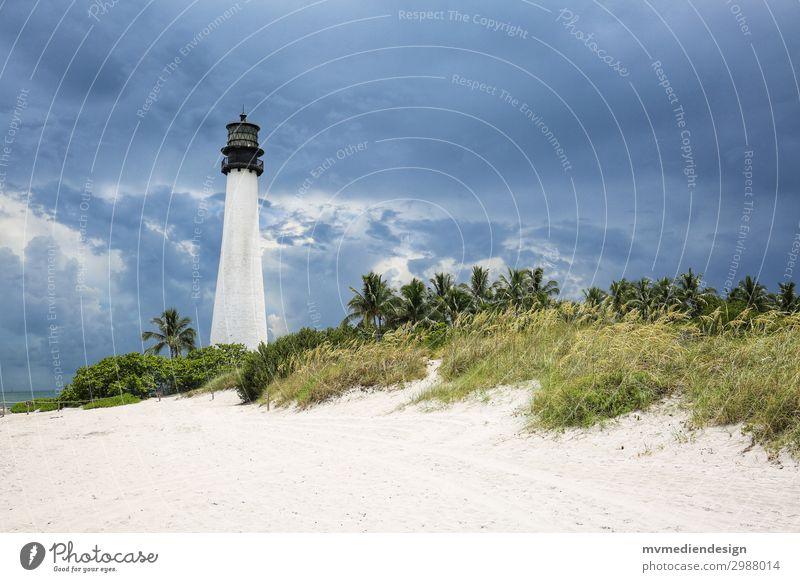 Leuchtturm Key Biscayne Schifffahrt Sorge Miami Miami Beach Strand Düne Wetter Wolken bedrohlich Farbfoto Außenaufnahme