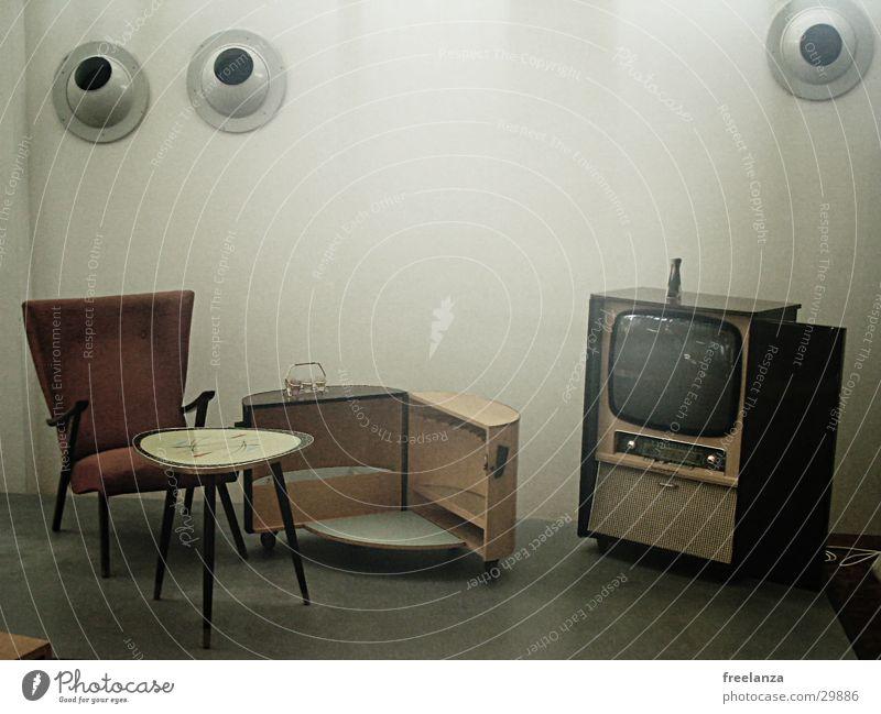 Fernseher Sessel Tisch retro historisch alt Kabel