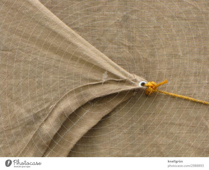 Festgezurrt Abdeckung Schnur Seil fest braun gelb silber Schutz Sicherheit Güterverkehr & Logistik festgezurrt festgebunden Knoten Farbfoto Außenaufnahme