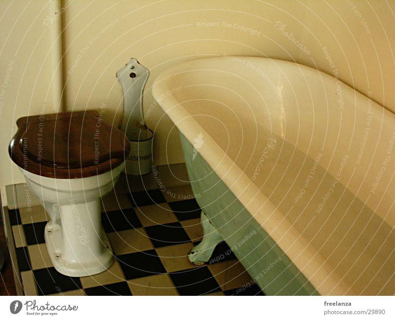 Retroklo weiß schwarz retro Häusliches Leben Toilette Fliesen u. Kacheln Badewanne
