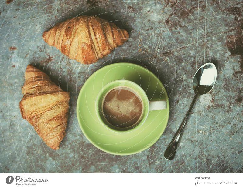 Tasse Kaffee und Croissants Lebensmittel Brot Brötchen Dessert Süßwaren Ernährung Frühstück Mittagessen Kaffeetrinken Heißgetränk Löffel Küche Diät füttern