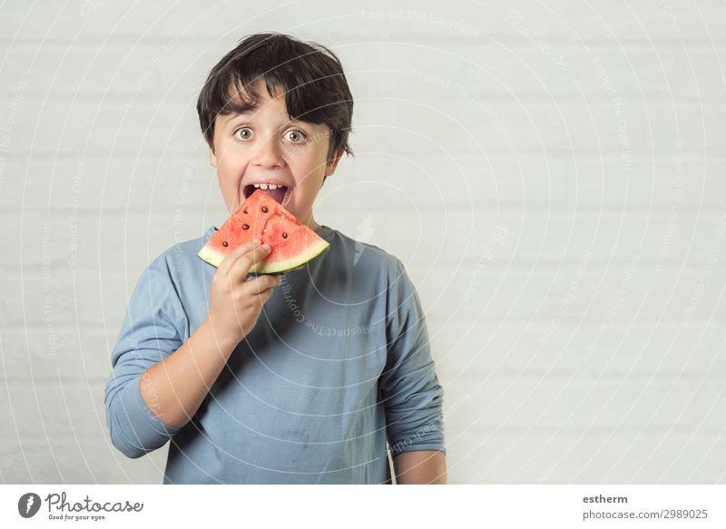 glückliches Kind isst Wassermelone Frucht Dessert Ernährung Essen Diät Lifestyle Freude Ferien & Urlaub & Reisen Sommer Mensch maskulin Junge Kindheit 1