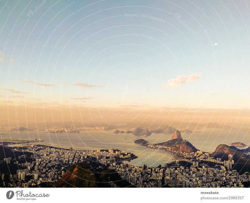 Rio Landschaft Unendlichkeit Rio de Janeiro Brasilien Zuckerhut Sonnenuntergang Bucht Stadt Millionenstadt Südamerika Dämmerung Farbfoto Gedeckte Farben