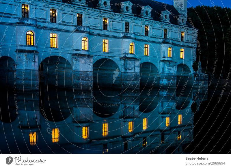 An der Loire 3 Ferien & Urlaub & Reisen Tourismus Häusliches Leben Wohnung Loire-Schlösser Frankreich Haus Burg oder Schloss Mauer Wand Fassade Fenster