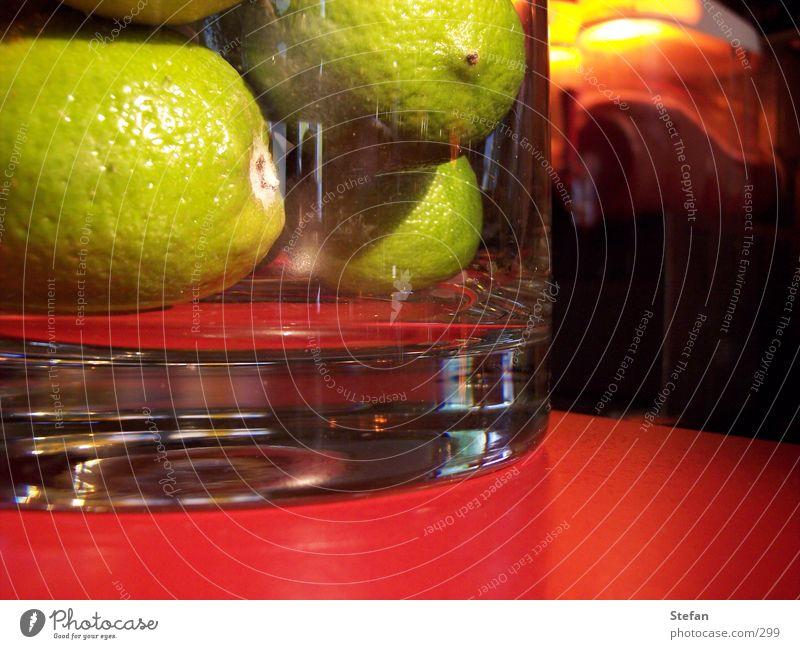 Caipi grün Bar Stil Zitrone Getränk Cocktail Longdrink Mischung Makroaufnahme Nahaufnahme lemonen Glas tinken shake red biglebowski