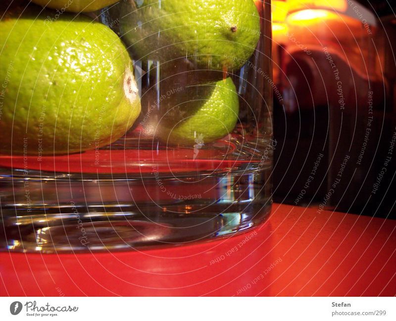 Caipi grün Stil Glas Getränk Bar Cocktail Mischung Zitrone Musikmischpult Makroaufnahme Lebensmittel Longdrink