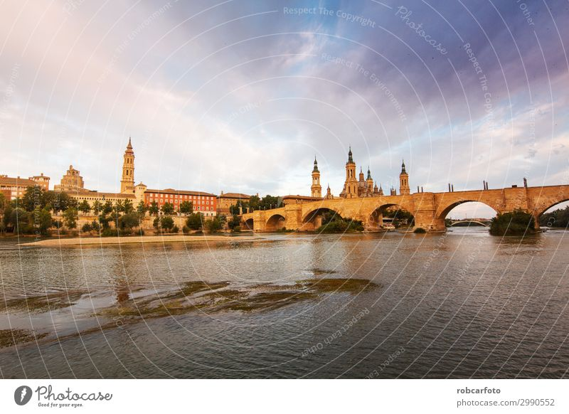 Ebro-Fluss durch Zaragoza Ferien & Urlaub & Reisen Tourismus Kultur Landschaft Himmel Kirche Platz Brücke Gebäude Architektur Denkmal Stein alt historisch