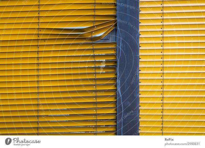 Defekte Lamellenabschattung an einem Fenster. Architektur Stimmung Gewerbe Verwaltung Verwaltungsgebäude Wohnhaus Fassade Glas Glasfassade modern Elbe Gebäude