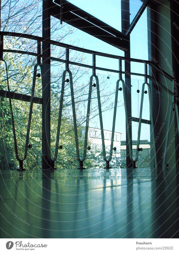 Ausblick Fenster Bodenbelag Material Bürogebäude