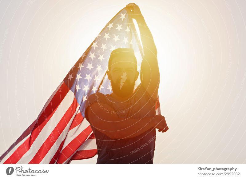 Amerikanische Flagge und Unabhängigkeitstag der Vereinigten Staaten Lifestyle Glück Freiheit Veranstaltung Feste & Feiern Mann Erwachsene 30-45 Jahre USA