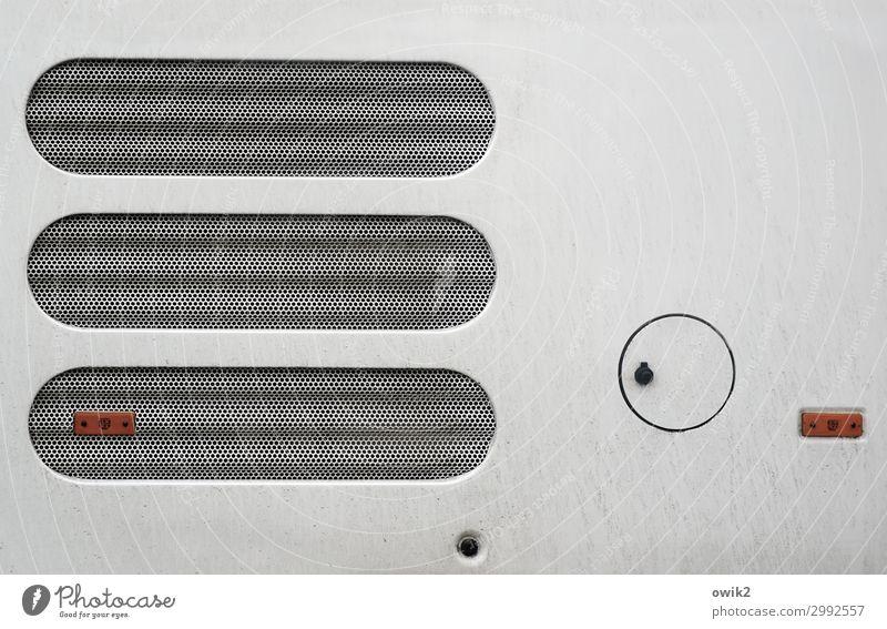 Kreisverkehr Bus Sieb Metall Kunststoff rund Kühlergrill Öffnung unklar Technikfotografie Farbfoto Gedeckte Farben abstrakt Muster Strukturen & Formen