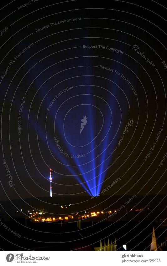 Ufo Landing dunkel Disco Nachthimmel Werbung obskur Berliner Fernsehturm Stuttgart