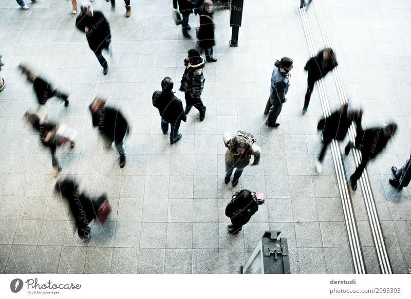 Mensch Jugendliche Stadt 18-30 Jahre Erwachsene Bewegung Menschengruppe Körper Verkehr 45-60 Jahre laufen Güterverkehr & Logistik rennen Stress Verkehrswege